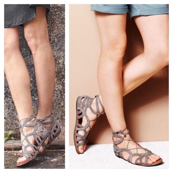 Gentle Souls Womens Break My Heart Gladiator Lace-up Sandal Flat